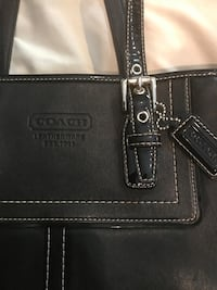 Coach purse. Excellent condition  Macomb, 48042