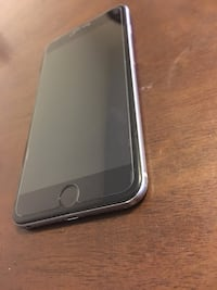 Unlocked Iphone 6 plus 64 gb Silver with EarPods Greenbelt, 20770