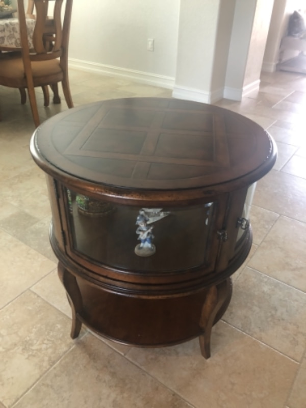 Round end table 1