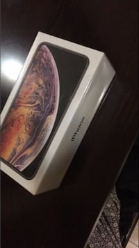 IPhone Xs Gold factory sealed District Heights, 20747