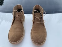 Size 11 men UGG book color tan Columbia, 21045