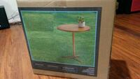 New side table / accent table Arlington, 22202