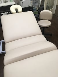 white and black leather sofa chair West Palm Beach, 33401