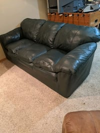 Green leather couch Gretna, 68028