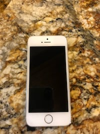 iPhone 5s in great condition. Verizon carrier. 16 GB 1807 mi