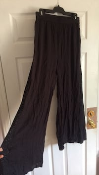 Wide leg Urban Outfitters pants with lace insert. Medium  Niagara Falls, L2G 1S6