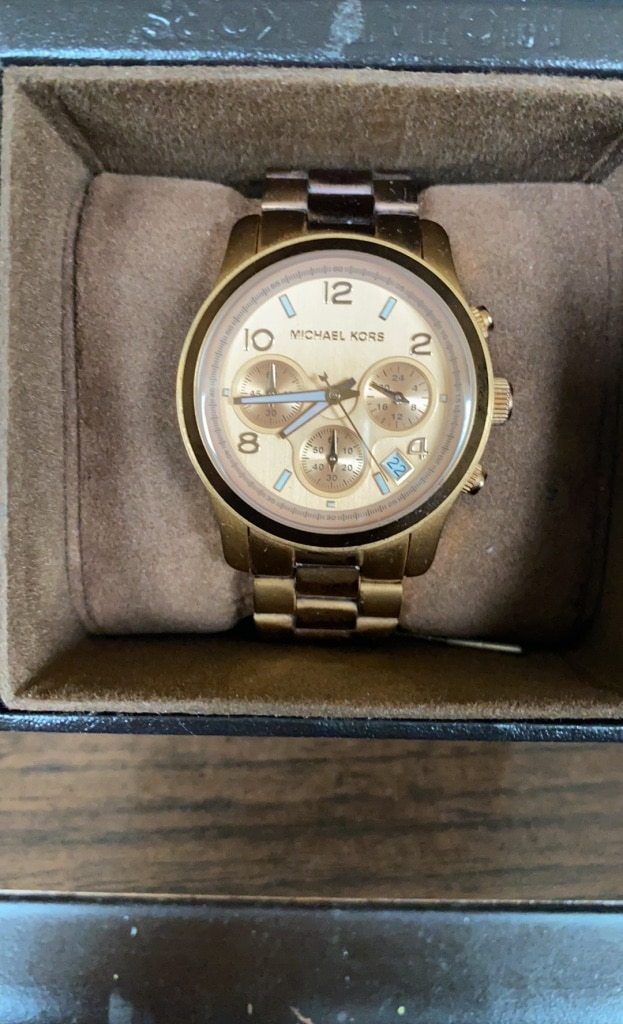 Photo Watch Rose gold Michael Kors watch one twice