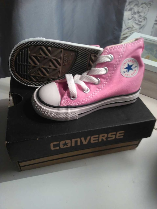 e31a0c777557 Used pair of Converse infant size 5 trainers for sale in Birmingham - letgo