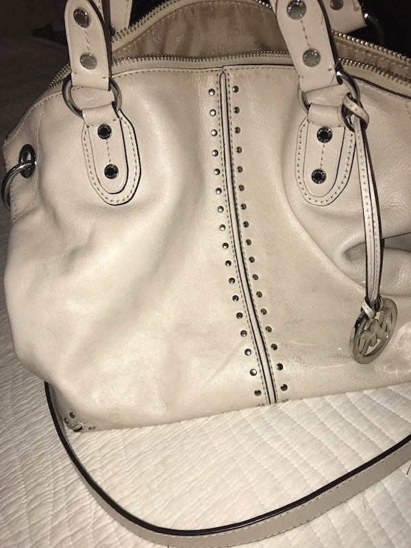 f40f7a1f39d39b Used Michael Kors leather bag for sale in Indian Harbour Beach - letgo