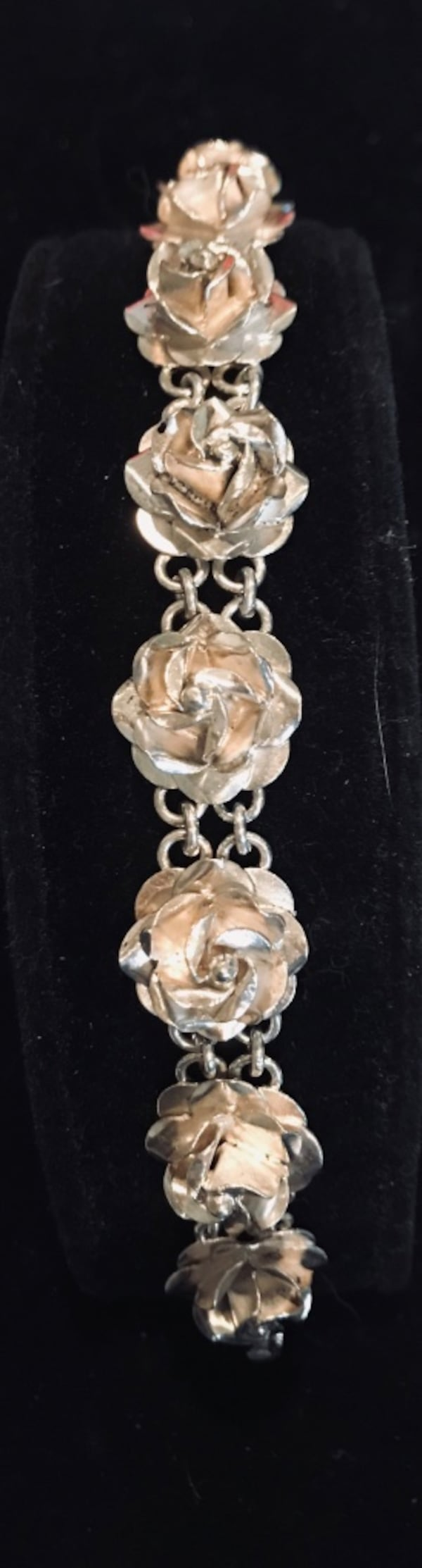 Sterling silver 3-d rose bracelet from Mexico 0b0ec277-a886-448c-986d-a1a8201d9fd3