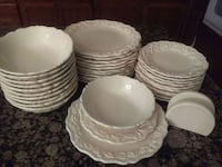 white ceramic plates and bowls Bakersfield, 93312
