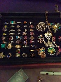 LOT# 3(52 pc jewlery lot rings necklaces bracelets
