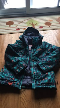 Girls Winter Jacket size 8 Burlington, L7T 3Z2
