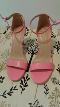 S9 Andrea wy Pink Heels New, never worn  Seattle, 98133