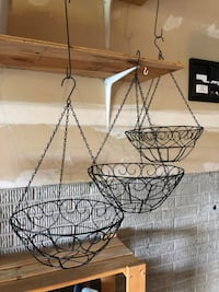 3 HANGING BASKETS Wexford, 15090