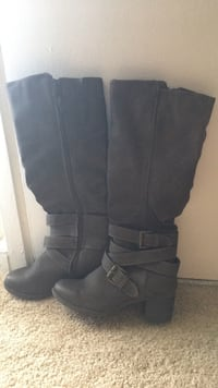 pair of black leather boots Norfolk, 23505