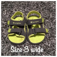 pair of green-and-gray Nike sandals Bowmanville, L1C 4T9