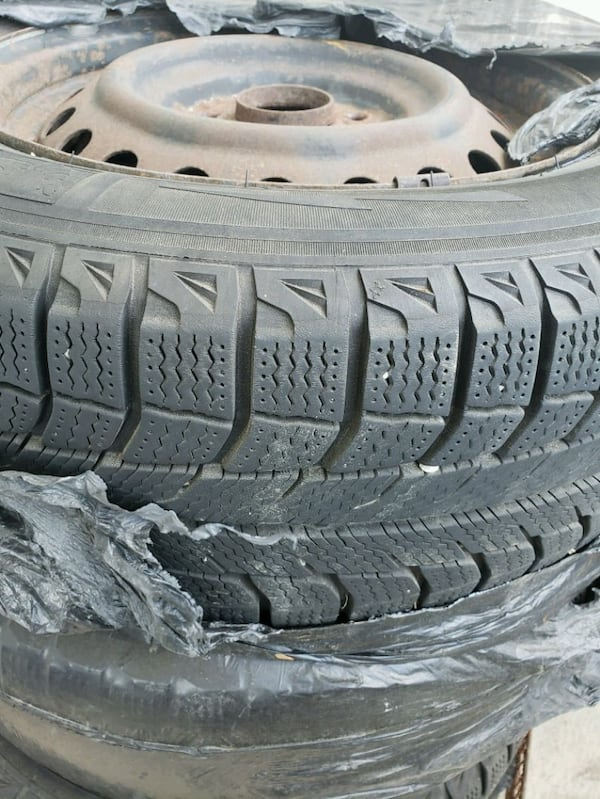 four tires Winter 205/65/15/          300$ 45c8a320-893d-4a82-9578-486d5688cb05