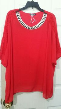 red scoop-neck shirt Mississauga, L4T 3T3