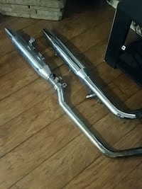 Harley stock pipes off an 05 Fatboy Clover, 29710