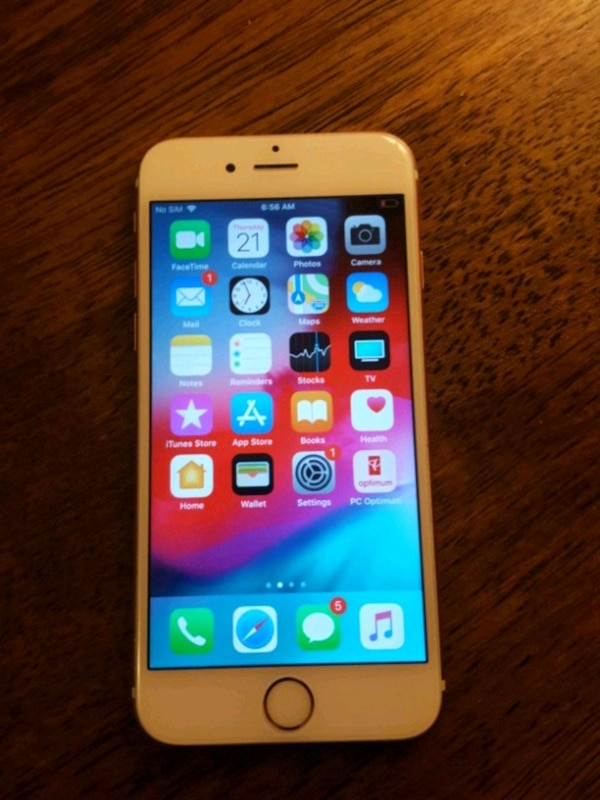 cf040bf744a Used gold iPhone 6 with case for sale in Kingston - letgo
