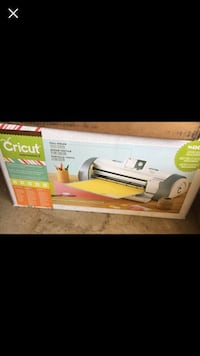 Cricut expression 2 machine & cartridges! Like new!  Virginia Beach, 23464