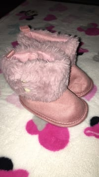 Baby pink boots size 6-9 months