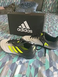 pair of black-and-white Adidas sneakers Tampa, 33603