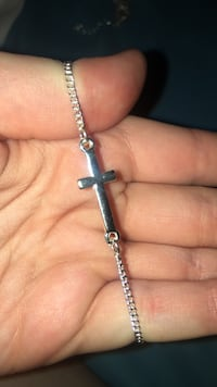 Silver chain cross anklet Abbotsford, V2S 8C4