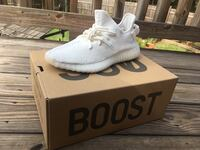 Pair of white adidas yeezy boost 350 v2 with box Gainesville, 30507