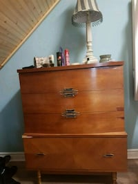 brown wooden 3-drawer chest Cambridge, N3H 5S9