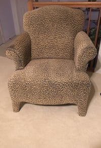 Leopard Print Wing Chair Bowie, 20721