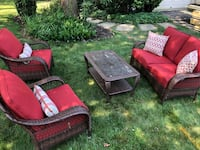 Outdoor Patio Furniture - Like New