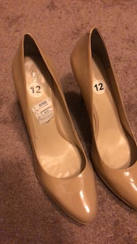 pair of brown leather flats Reno, 89521