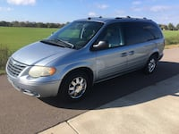 Chrysler - Town and Country Limited - 2005 Ramsey, 55303