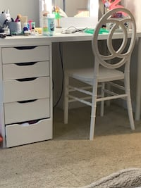 Vanity with chair without the mirror  Arlington, 22201
