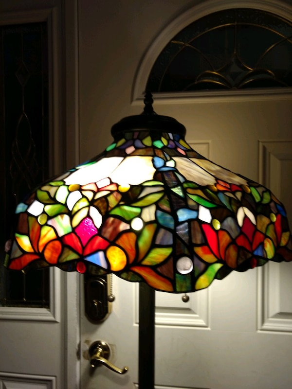 "Stained ""glass"" stand lamp 15008978-330d-405d-b6d2-b6e8275277d1"