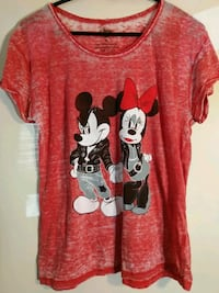 Size medium vintage distressed style Mickey minnie mouse t-shirt red Hyattsville, 20784