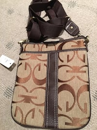 Brown and beige messenger bag Hampstead, H3X 3G3