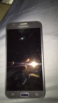 Black samsung galaxy android smartphone through straight talk wireless.       Brand new used for two days and switched back to iPhone  Whitesboro, 76273