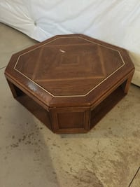 Octagonal  coffee table & end table Strongsville, 44149