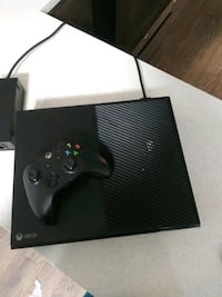 black Xbox One console with controller Brooklyn, 11225