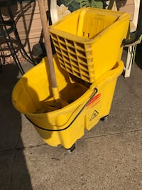 Rubbermaid mop bucket and mop Moorhead, 56560