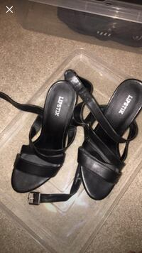 pair of black leather open-toe heeled sandals Summer Hill, 2130