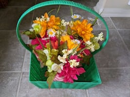 Floral arrangement table centerpieces perfect for spring Easter