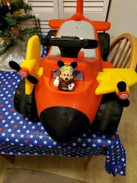 Mickey ride on airplane used very little. Has charger. Clear Brook, 22624