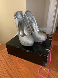 Prom shoes/Wedding shoes. Never worn outside Fort Washington, 20744