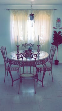 Dining table  Kitchener, N2B 3A9