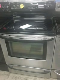 Kenmore  glass top stove in good condition