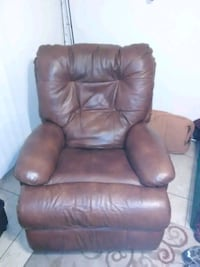 Brown Recliner like new Tempe, 85281